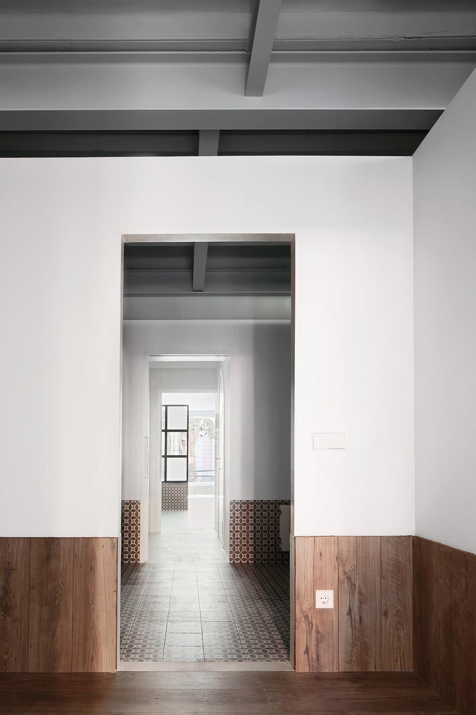 Tamarit-Apartment_Ras-Arquitectura_dezeen_936_9