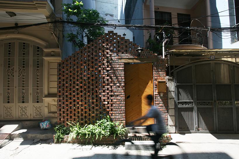 nghia-architect-maison-t-brick-facade-hanoi-vietnam-designboom-02