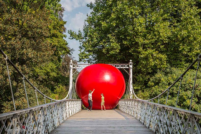 redball-antwerp-installation-designboom-014