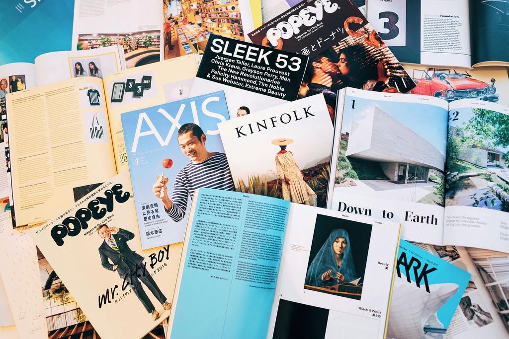 12 雜誌