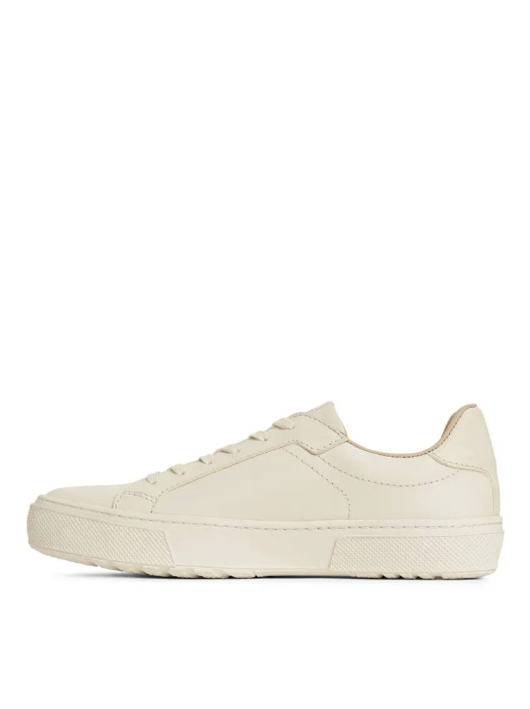 arket-court-trainers-everyday-object-03