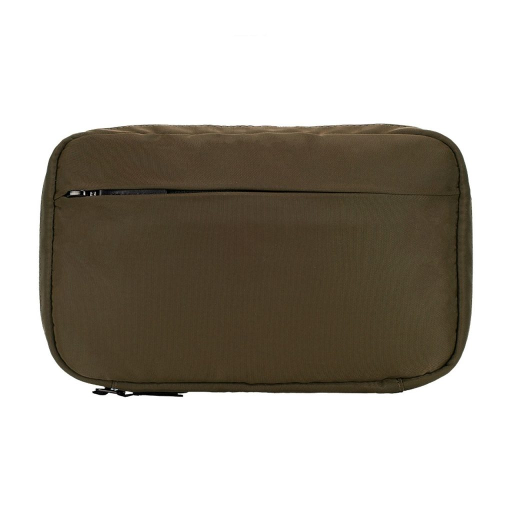 incase-flight-nylon-organizer-07
