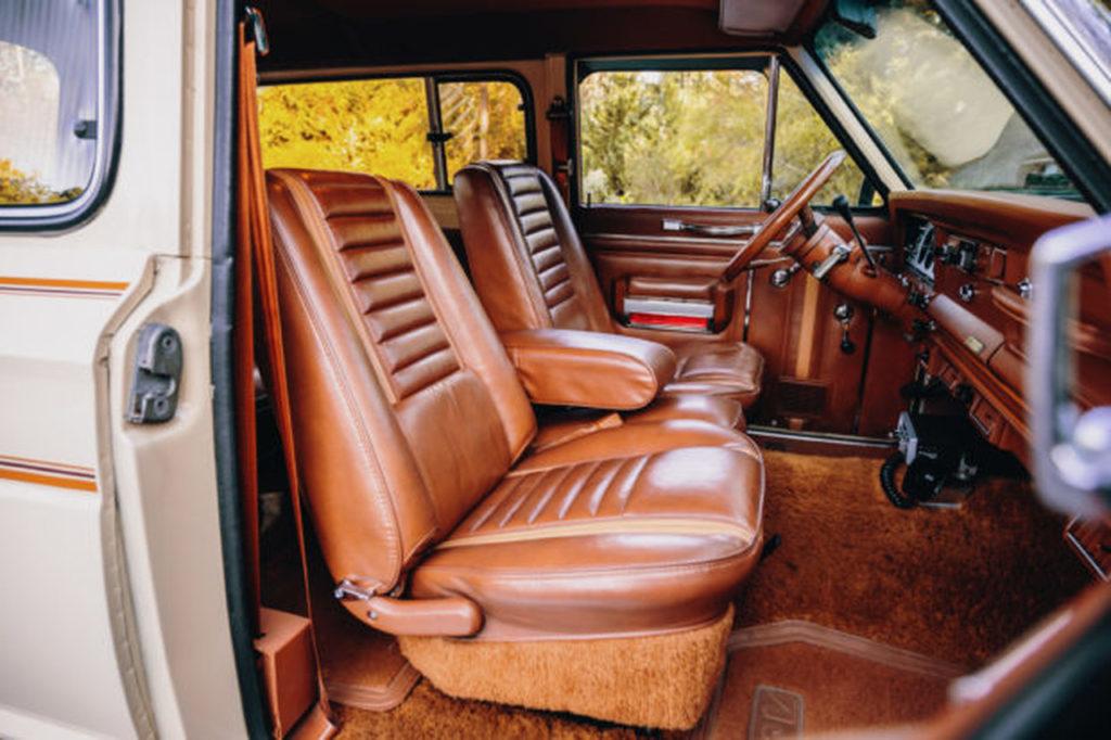 1983 Jeep Cherokee-05