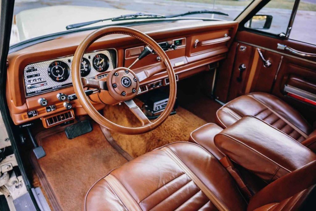 1983 Jeep Cherokee-03