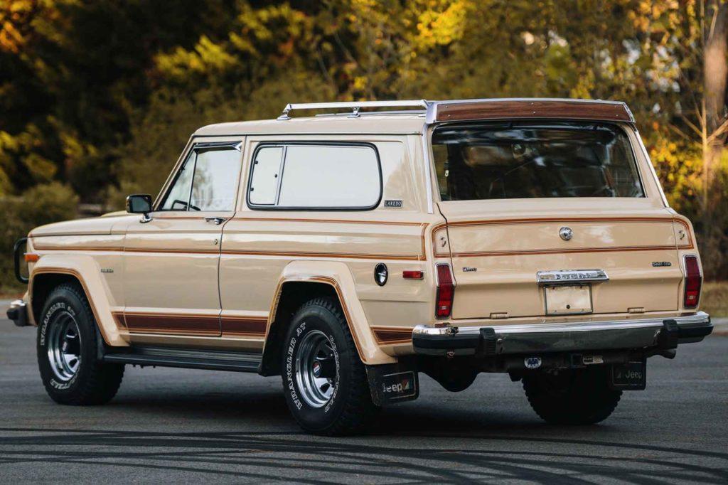 1983 Jeep Cherokee-08