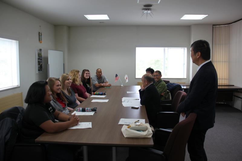 パデュー大学の研修生・教員が竹花学長を表敬訪問