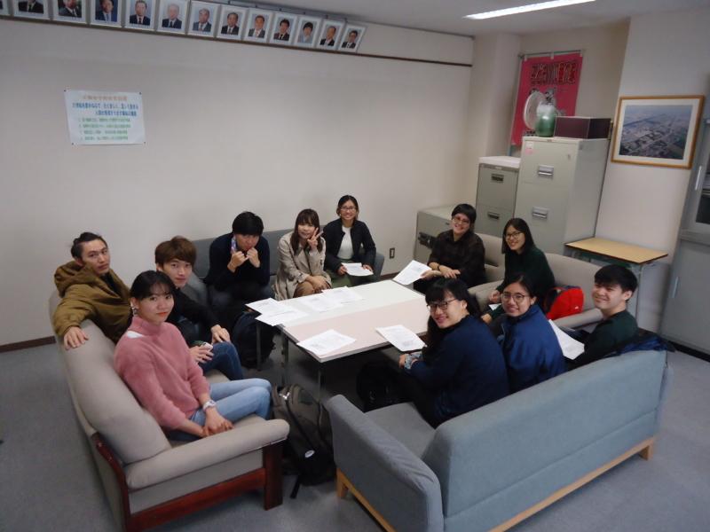 留学生が大麻中学校国際理解学習の授業に参加しました