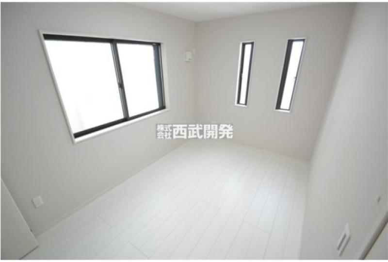 【内観】1階洋室 約5.5帖