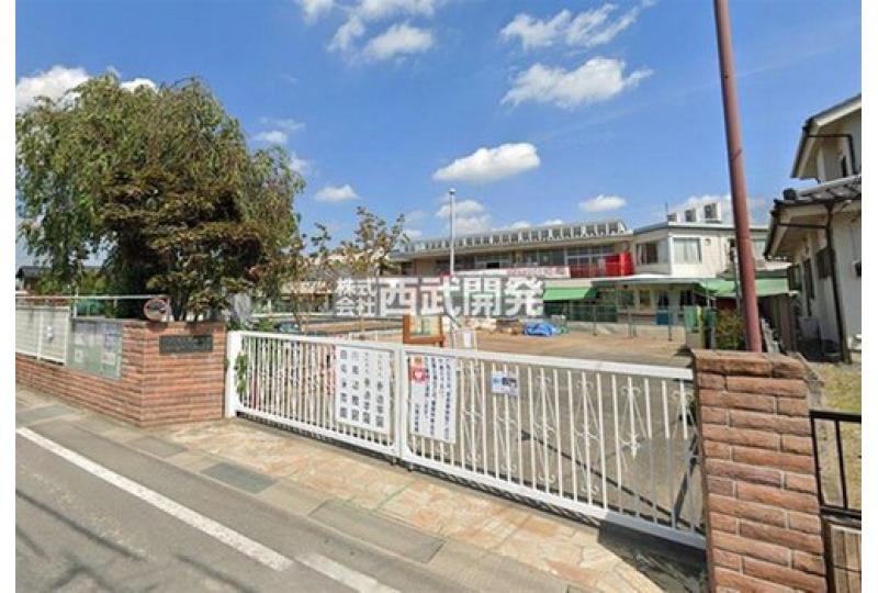 【幼稚園・保育園】認定こども園白鳥幼稚園 約1000m (徒歩13分)