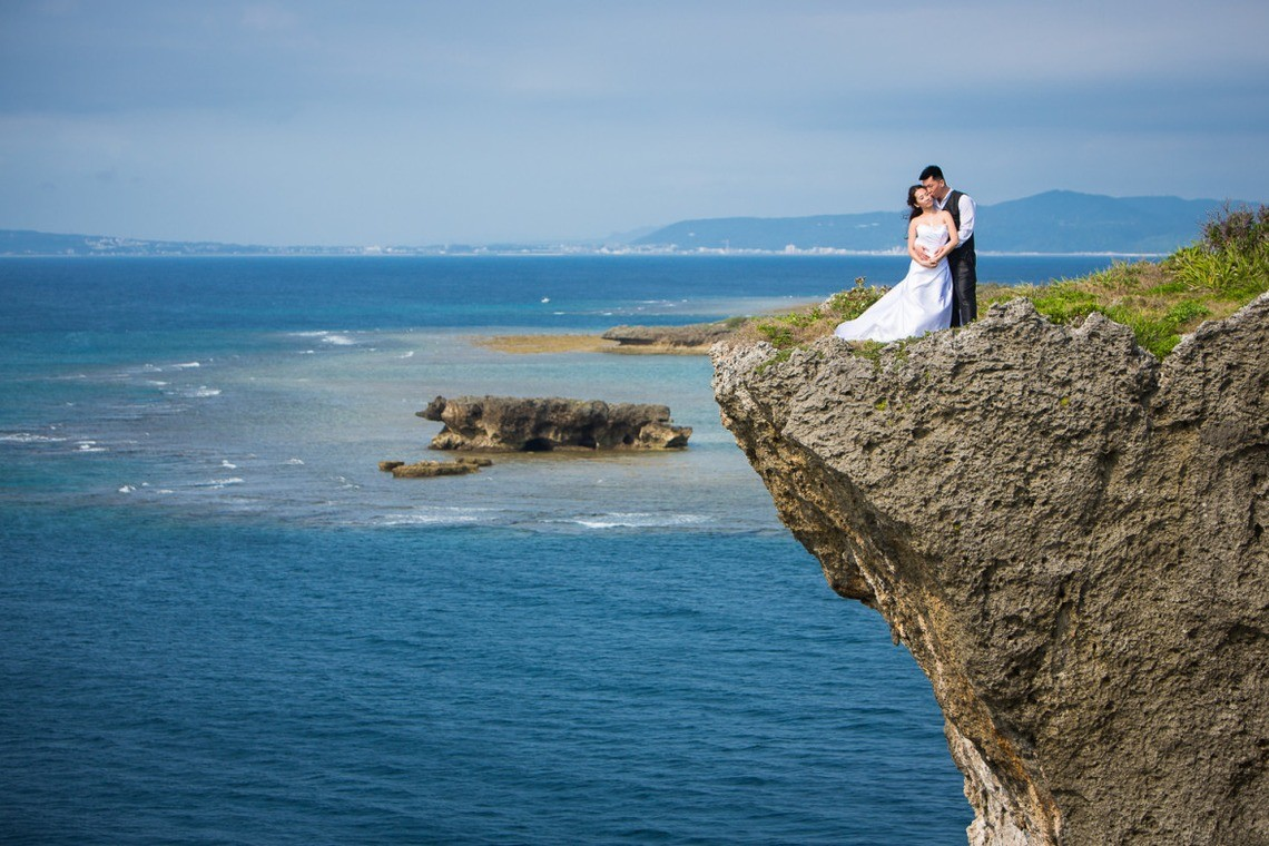 Majestic pre wedding photo in Okinawa — Photo by fotoShisa Photography