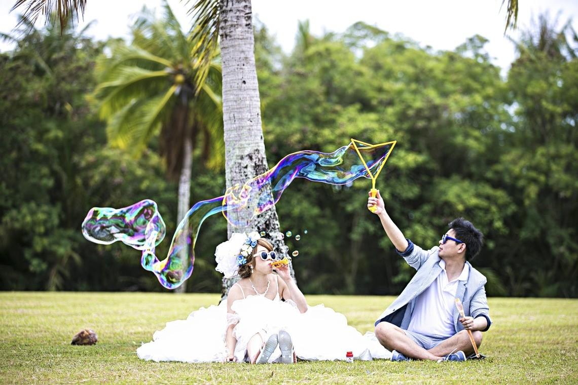 Bubbles! — Photo by Leaf wedding