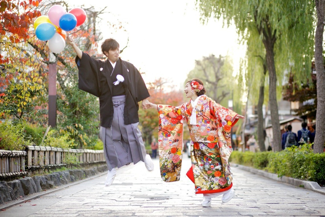 Another cute flying away shot in Kyoto — Photo by studio zero