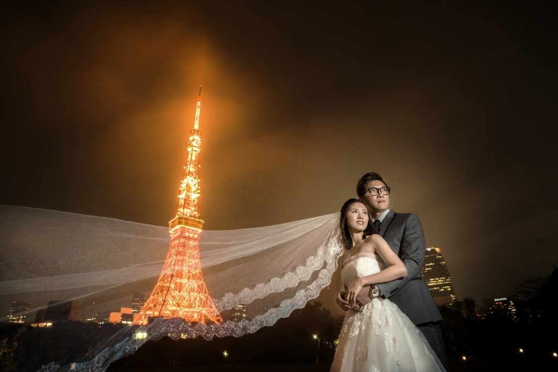 Dramatic photo with the Tokyo Tower — Photo by 2 of us photography