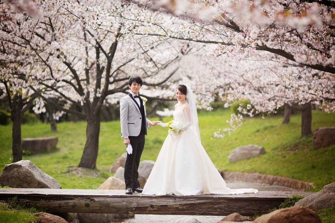 A romantic spring photo shoot — Photo  by Atelier Casha