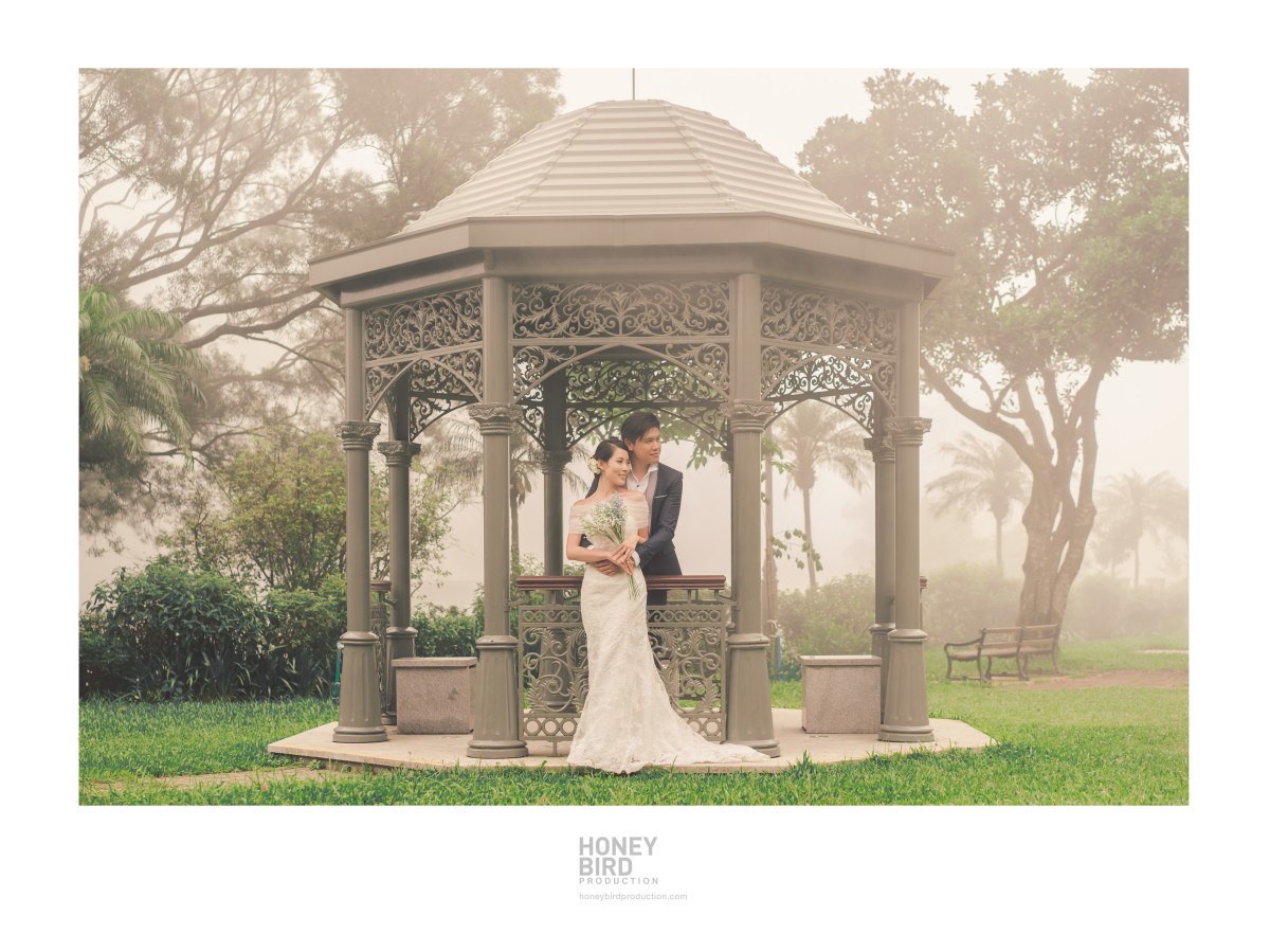 Beautiful poses — by Honeybird Production Wedding Photography