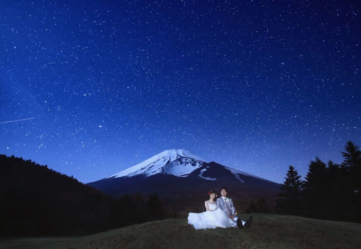 Starry sky with Mt.Fuji — Photo by RANMARU STYLE