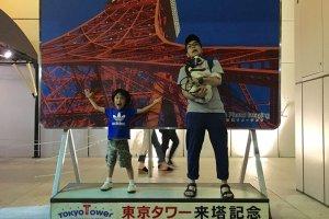 東京タワーのパネル前