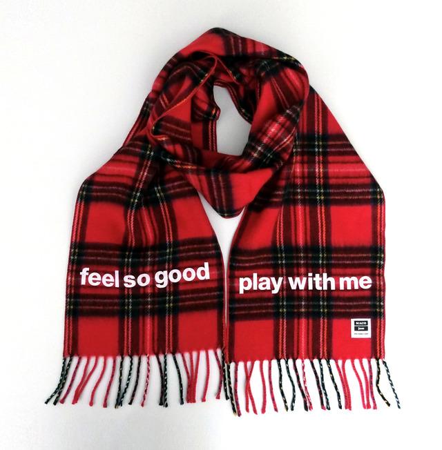 4004942-scarf