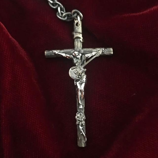 4435122-rosary3