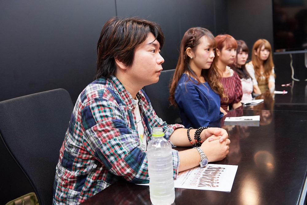 左から田辺晋太郎、長田杏奈、松本優子、藤方彩乃、眞壁小百合