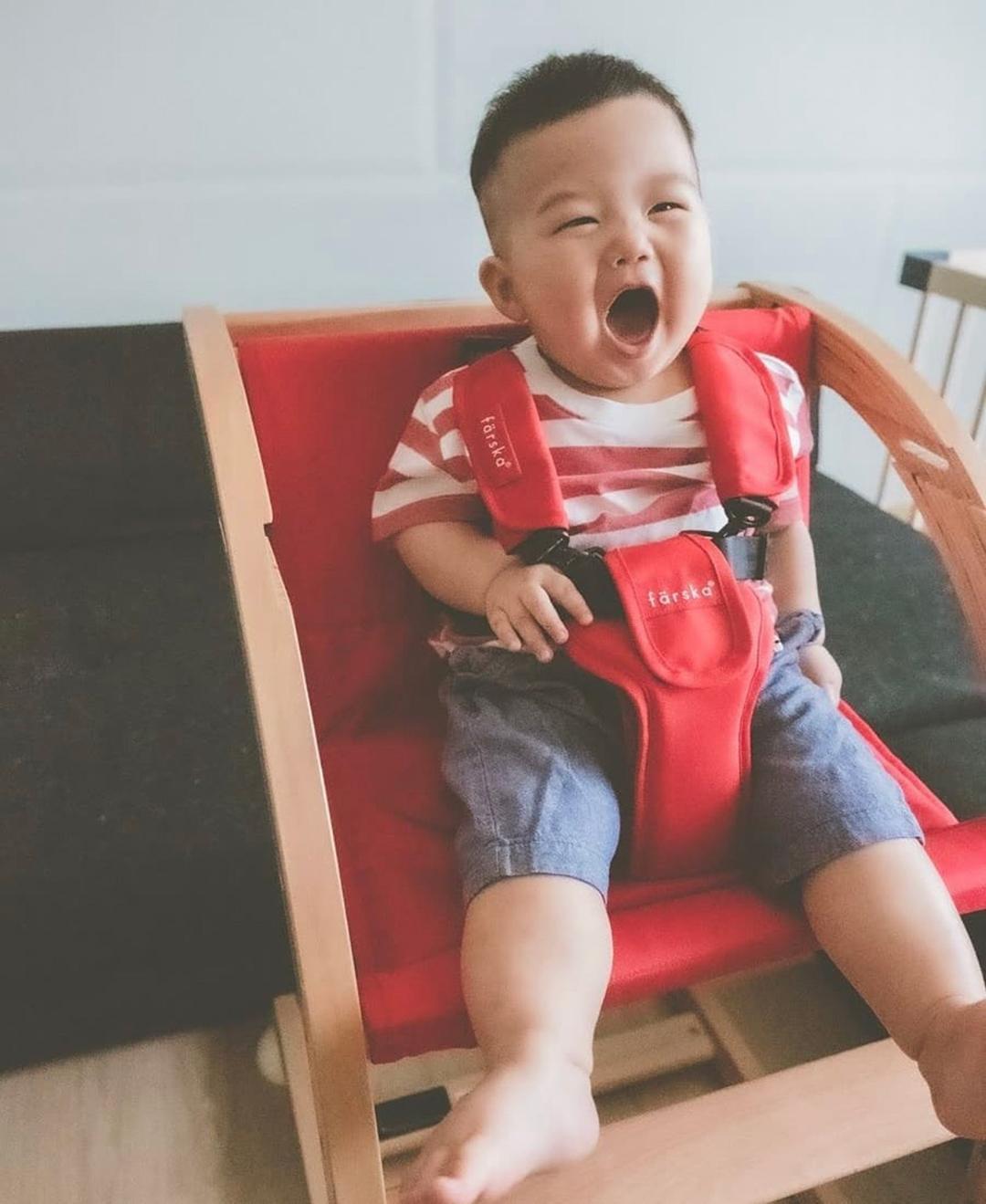 日本媽咪 @erikat_jt | farska實木陪伴成長椅