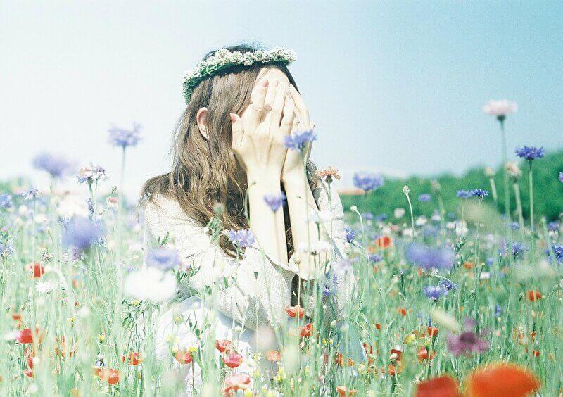 お花畑と女の子