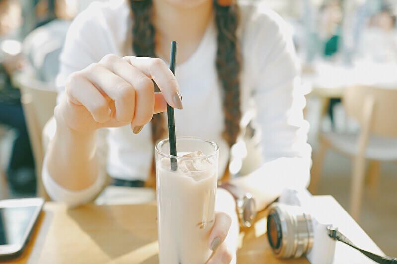 カフェ 女性
