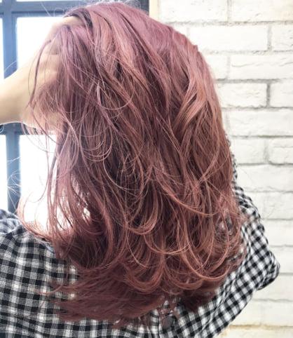 ピンクヘアー