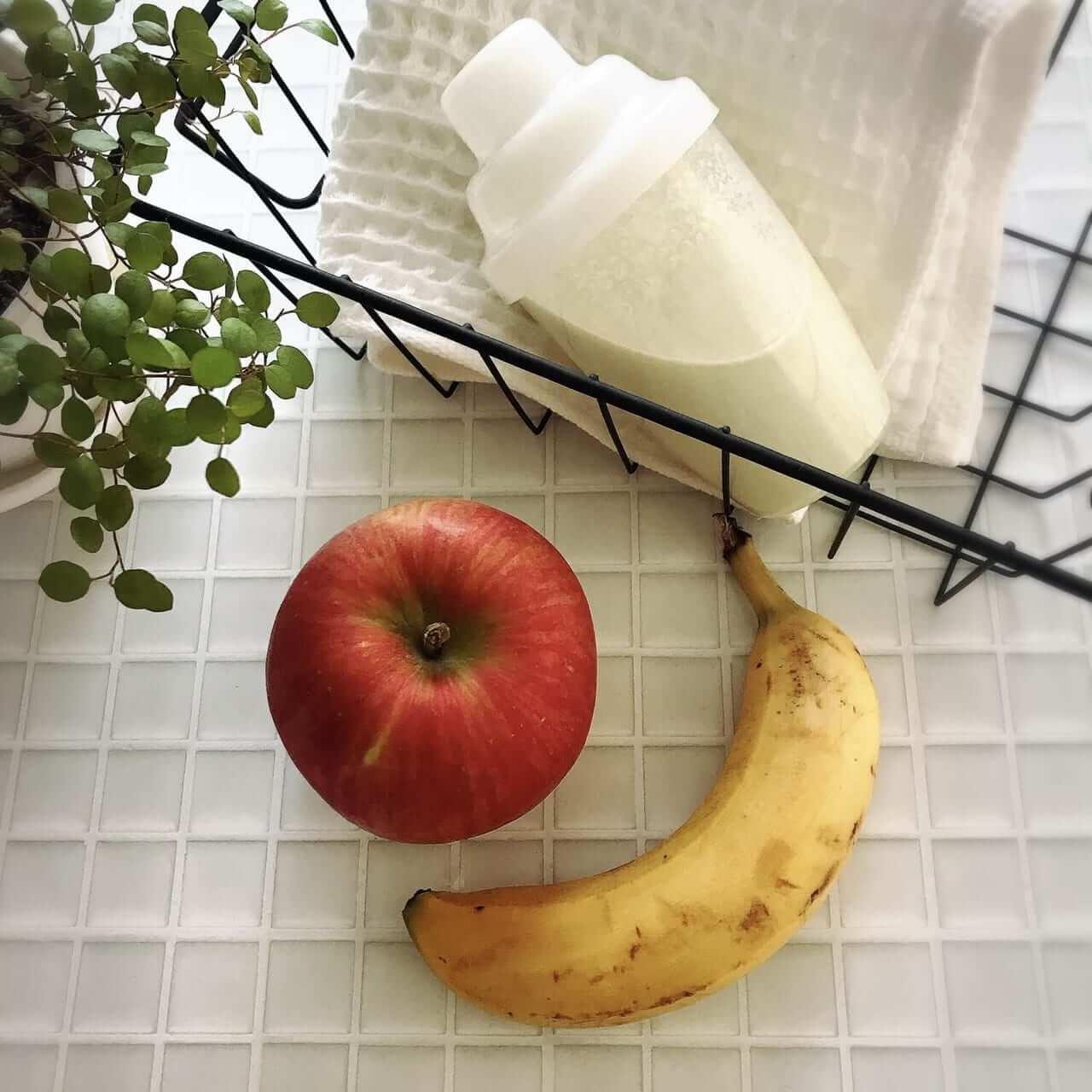 育乳に効果のある食べ物やマッサージなども組み合わせる
