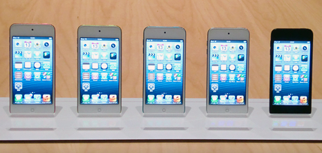 「iPhone 5」と同じ4インチの「Retinaディスプレイ」を搭載した「第5世代iPod touch」