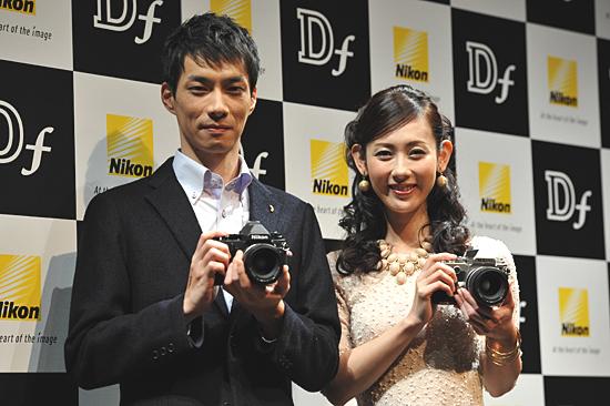 35mmフルサイズCMOSセンサ搭載のデジタル一眼レフカメラ