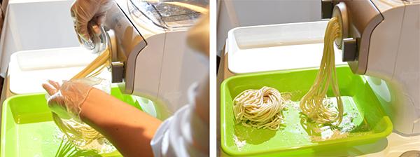 麺カッターで長さを整えて製麺完了