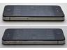 右側面にはマイクロSIMカードのトレイがある(上)、左側面の音量のミュートスイッチと調節ボタン(下)