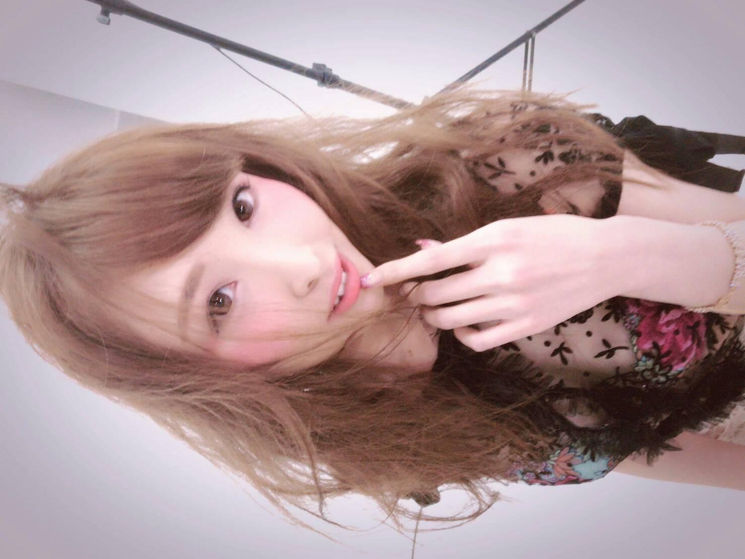SNSで楽々面接!!!LINE面接OK(^_-)-☆ クラブバレンタイン大阪店の求人ブログ