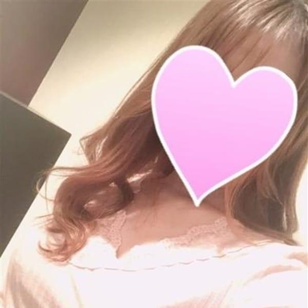 いずみ『癒し系ミニマムEカップ』【アイドルルックスに可愛さ抜群】 | 金妻(金沢)