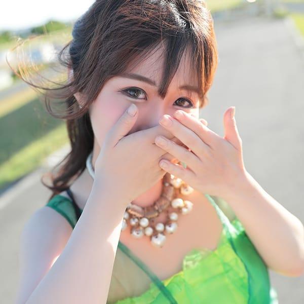 京 華子(きょうはなこ)【ロリフェイスのクビレ美巨乳】 | ウルトラの乳(新大阪)