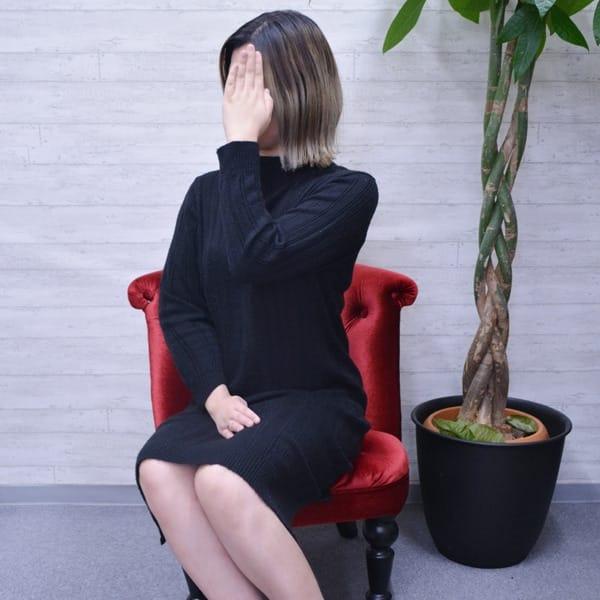 かれん【長身スレンダーEカップ】   嫁ナンデス!!(梅田)