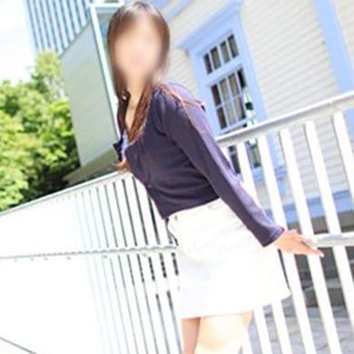 吉沢(よしざわ)【色白グラマラスな新人おかん】 | 人妻の痴情~秘密の淫行~(周南)