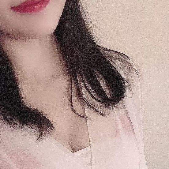 詩歩~しほ~【色白スレンダーGカップ!】 | TOTORO~トトロ~(福岡市・博多)