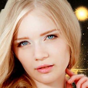 ミリー【ナチュラル系の清純派美少女】 | ヘヴン大阪(新大阪)