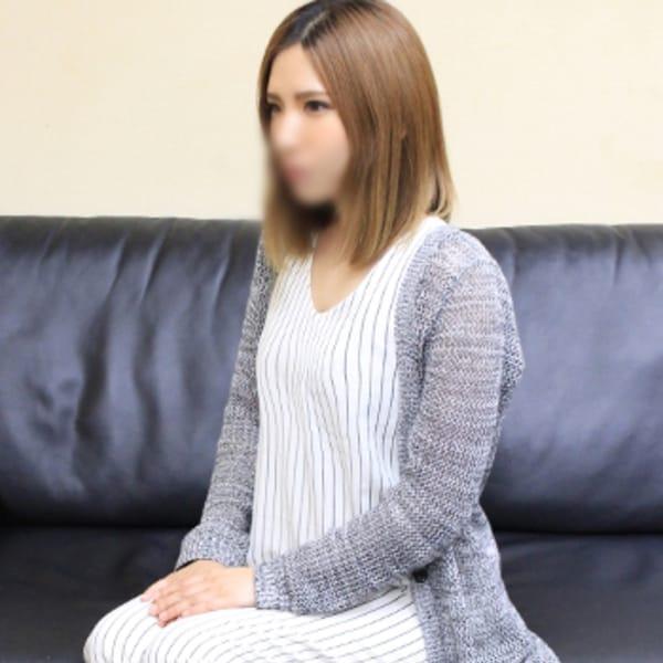 吉田 ひとみ | 未熟な人妻(梅田)