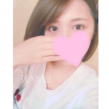 らむ「待機中♡」10/30(月) 20:53   らむの写メ・風俗動画