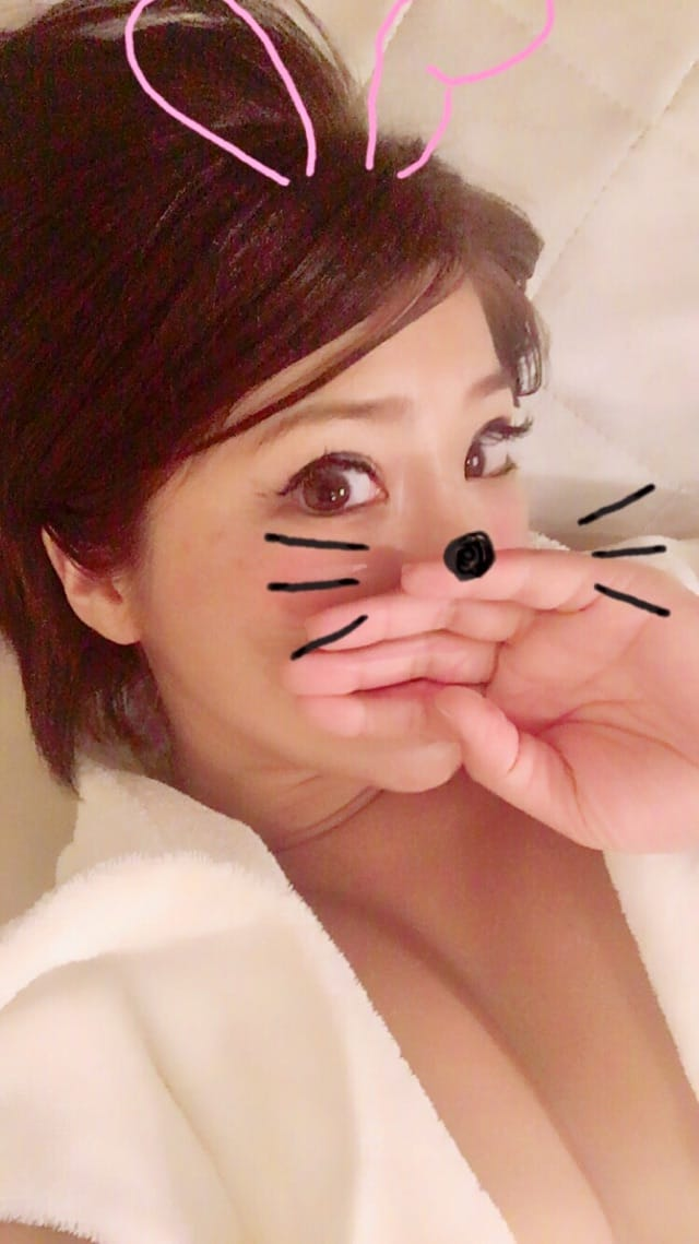 「こんにちは☆」11/01(水) 15:42 | ななこの写メ・風俗動画