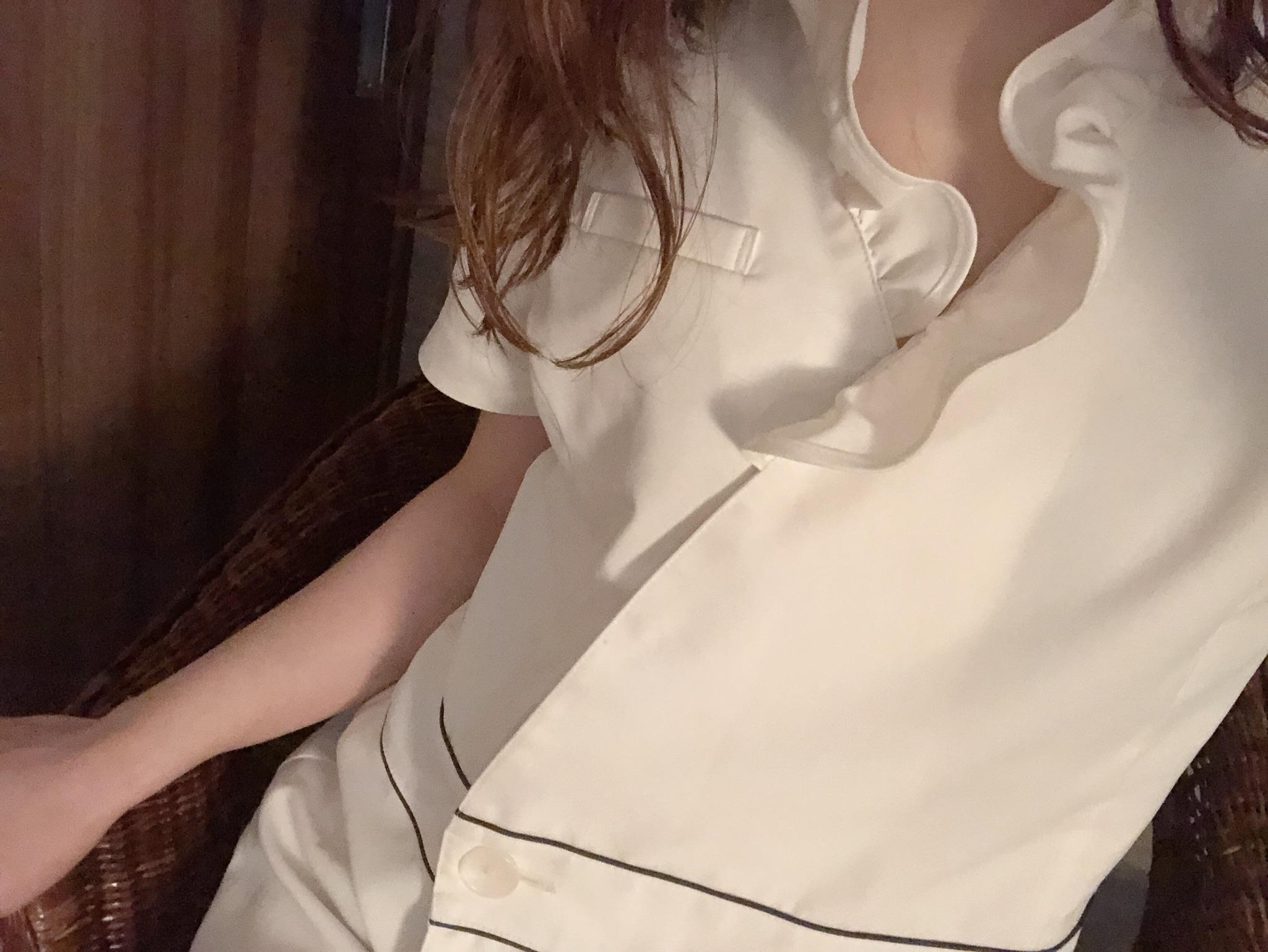 りん「I様へ(๑╹ω╹๑ )」10/27(火) 22:55   りんの写メ・風俗動画