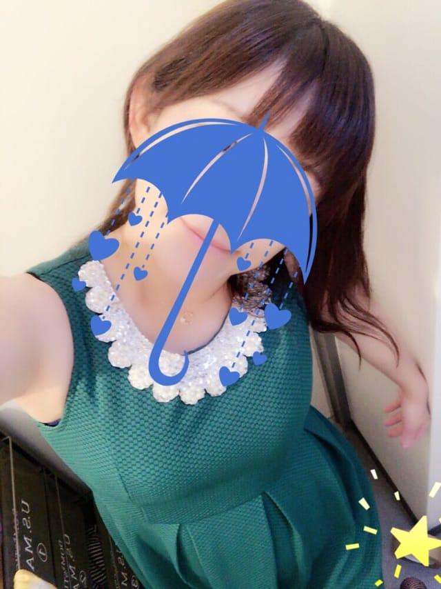 「胸が…」11/14(火) 19:01 | 矢沢 にこの写メ・風俗動画