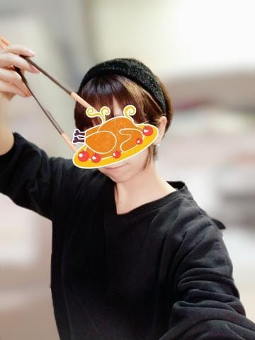 「何食べたい???」11/27(金) 18:20 | こまちの写メ・風俗動画