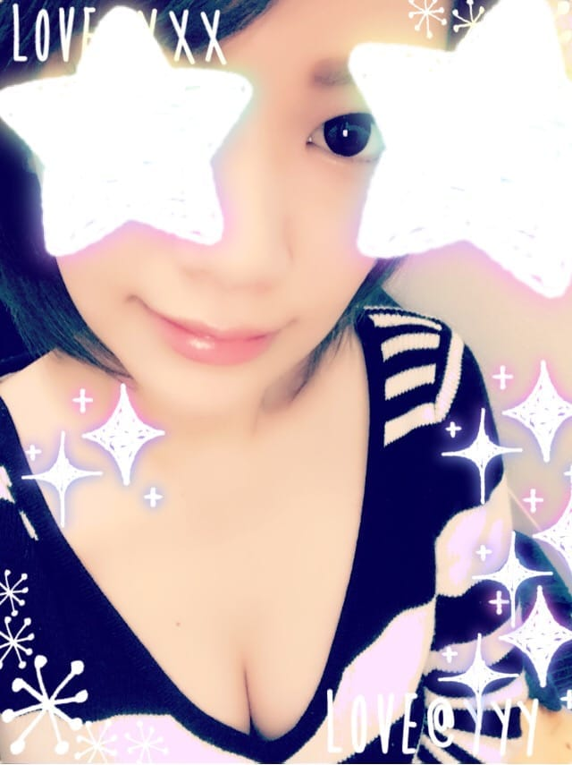 「Reおはようございます٩( ๑╹ ꇴ╹)۶」11/21(火) 23:40 | リコの写メ・風俗動画