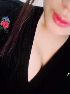 「こんばんは( •̀ᴗ•́ )/」12/14(木) 02:22 | こころ☆ふわふわパイの写メ・風俗動画