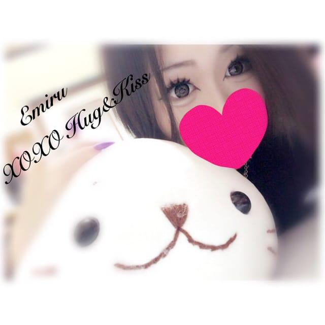 Emiru エミル「戻りました♡」12/15(金) 02:52 | Emiru エミルの写メ・風俗動画