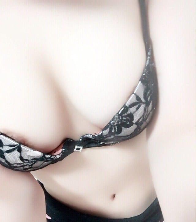「変態さんだから ピクピク度がタマリマセン(笑)」12/24(日) 06:43   菜穂(なほ)の写メ・風俗動画